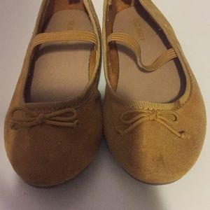 Old Navy Shoes - Ballet flat 🥿 💛